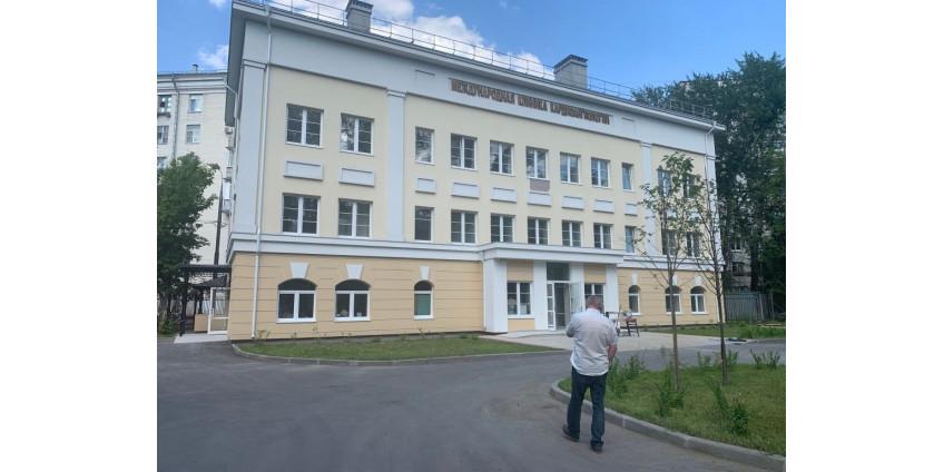 Немецкая технология отделки стен эко-обоями в клинике международной кардиологии